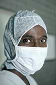 Dakar, Le Dantec Hospital: nurse in the operating theatre.