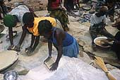Benin 2001, Perma gold mine. Children smash limestone containing gold.
