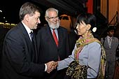 Mr Guy Ryder, ILO Director-General elect, welcomes Ms Daw Aung San Suu Kyi, President of the National League for Democracy and Member of Parliament, Republic of the Union of Myanmar at her arrival at Cointrin Airport. 101st Session of the International Labour Conference. 13 June 2012.