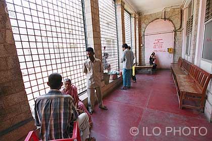 patients en cure au centre de d sintoxication alcoolique de l 39 h pital de bangalore ilo. Black Bedroom Furniture Sets. Home Design Ideas
