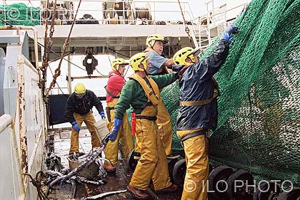 2006: 94a Reunión de la Conferencia Internacional del Trabajo <br>Los derechos de la gente de mar: Convenio sobre el trabajo marítimo