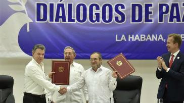 """Director General de OIT felicita a Colombia por un """"paso histórico"""" en ruta hacia la paz"""