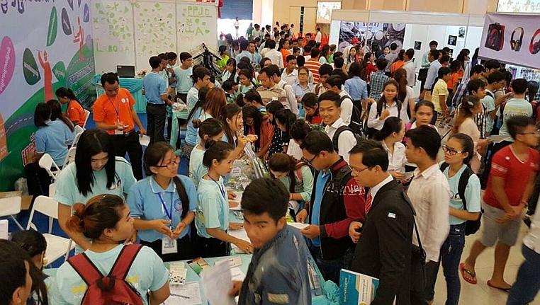 Mejores servicios de empleo para poner en contacto los trabajadores y los empleadores de Camboya