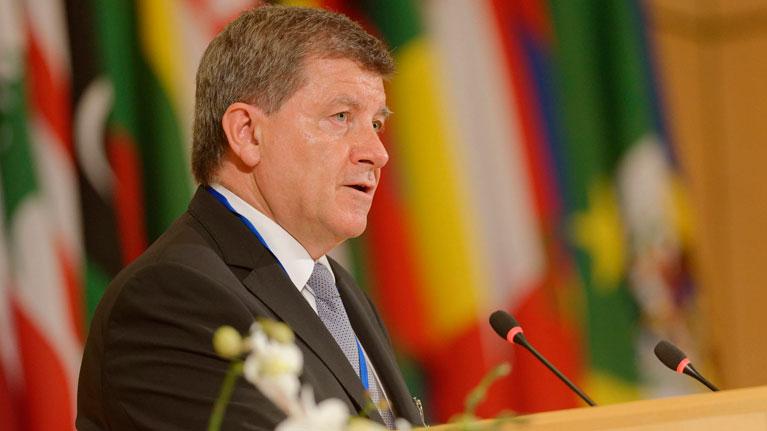 Le Directeur général de l'OIT lance un appel en faveur d'une écologisation indispensable du monde du travail