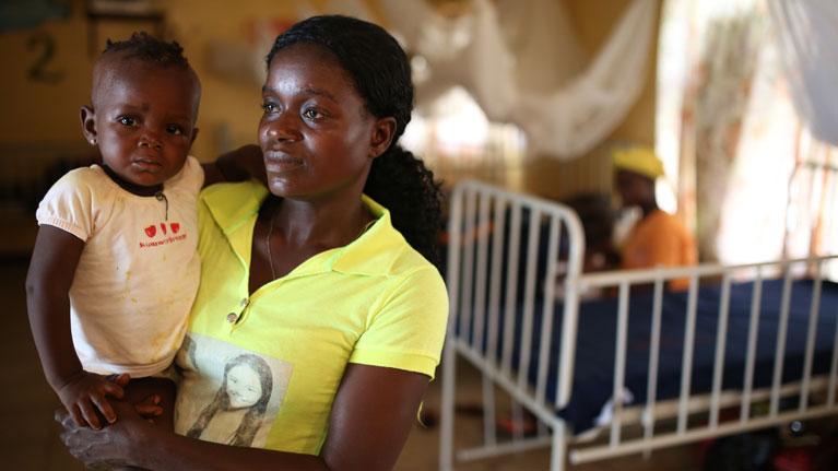 La OIT insta a que se adopten medidas urgentes para prevenir la inminente crisis mundial de los cuidados a la persona